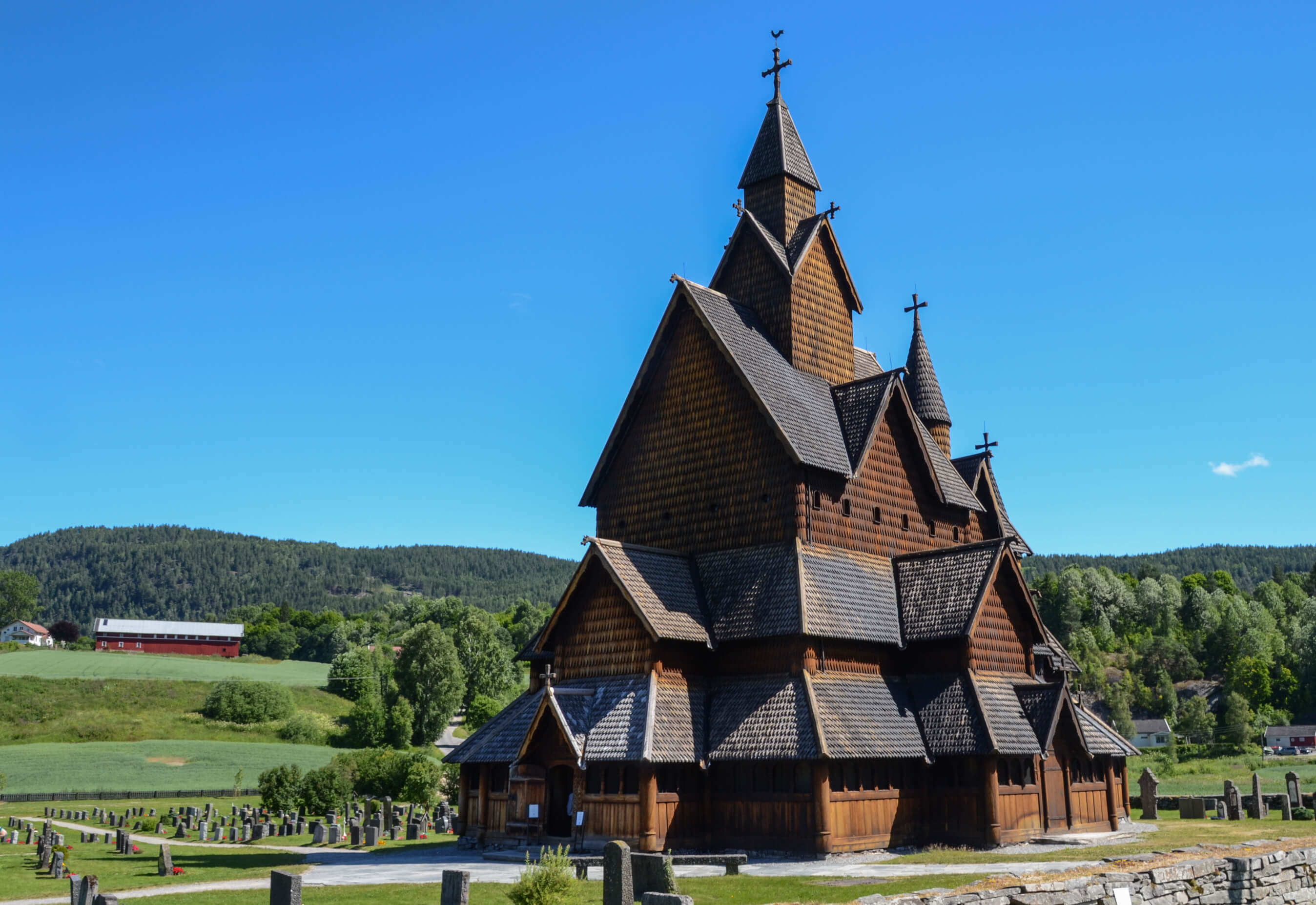 Heddal stavkirke er Norges største stavkirke
